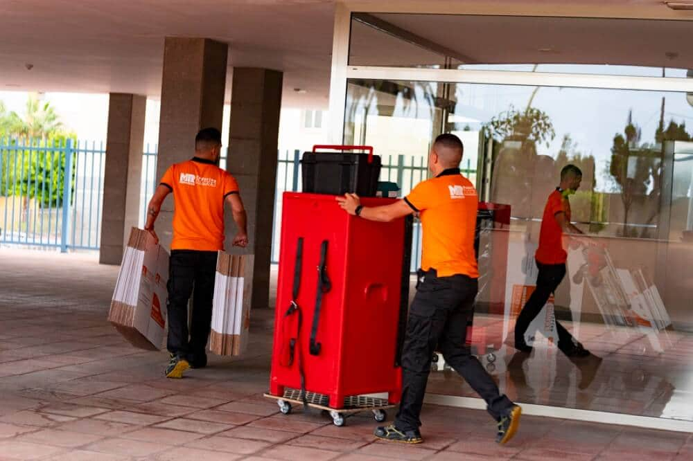 Sevicio de transporte en Las Palmas de Gran Canaria Federico Ramos